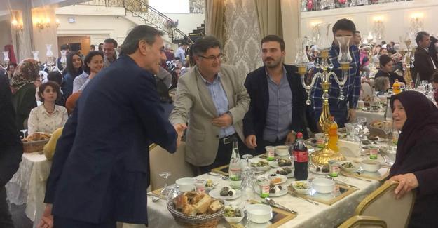 Serdivan Belediyesi bu kez iftar için bir araya geldi