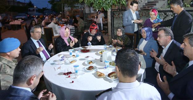 Şehidin ana ocağında iftar