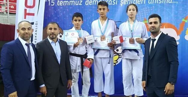 Minik judocular kürsüye çıktı
