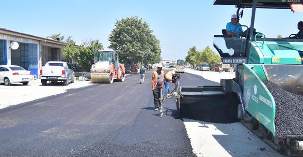Karasu'da sıra asfalt çalışmalarında