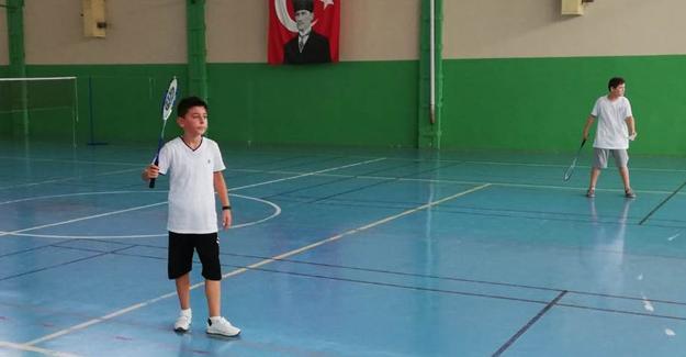 Badmintonda seçmeler tamam