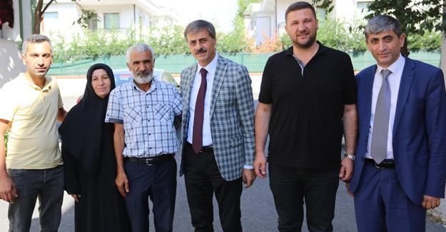 Hac'dan gelen şehit ailesine ziyaret