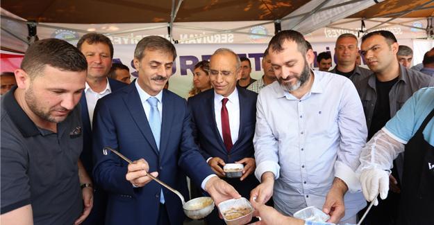 Serdivan'da ağızlar aşure ile tatlandı
