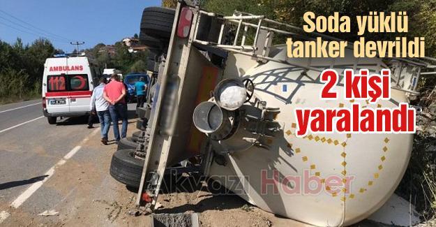 Soda yüklü tanker devrildi! 2 yaralı