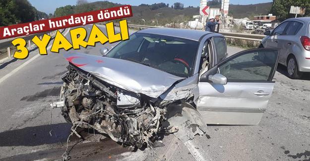 Araçlar hurdaya döndü: 3 yaralı!