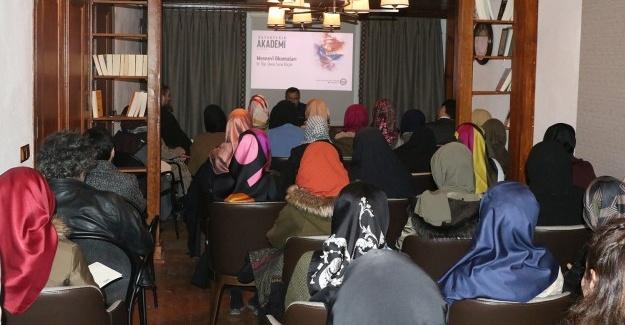 Büyükşehir Akademi'de dersler devam ediyor