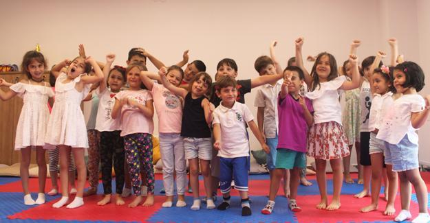 Serdivan Çocuk Akademisi'nde drama dersine yoğun ilgi