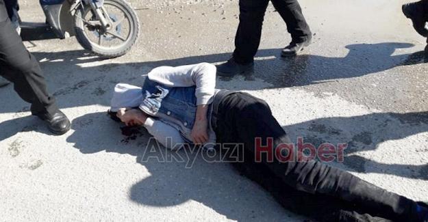 Motosikletli kurye kazada yaralandı