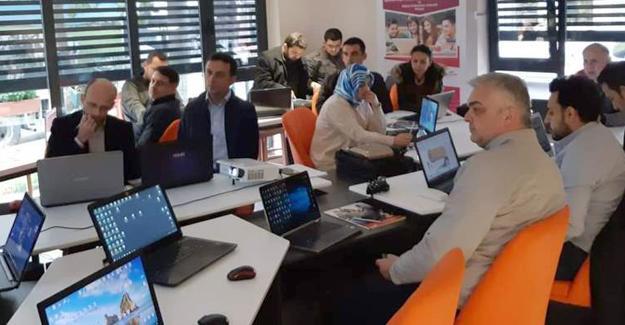 Dijital Dönüşüme Liderlik Projesi eğitmen eğitimleri başladı