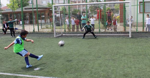 Bekir Sıtkı Durgun İlkokulu'nda veda turnuvası