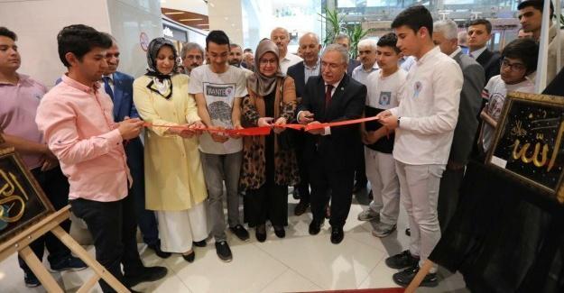 Sergi açılışını Vali Nayir yaptı