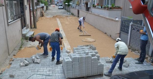 Erenler'de kilitli parke çalışmaları sürüyor