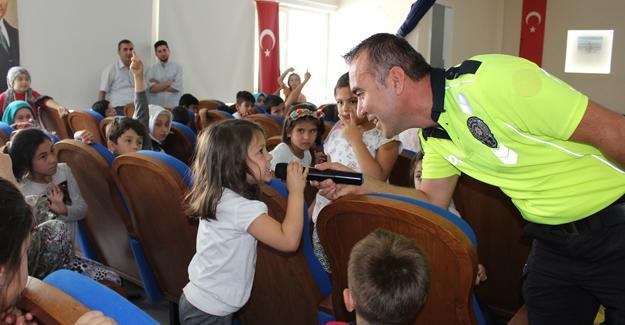 Taraklı'da Yaz Kuran Kursu öğrencilerine trafik eğitimi