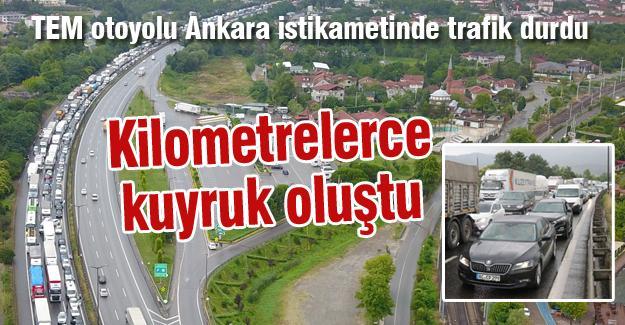TEM otoyolu Ankara istikametinde trafik durdu