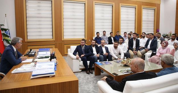 AK Gençlerden Başkan Yüce'ye ziyaret