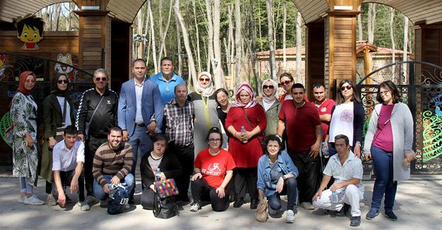 Engelsiz yürekler ve aileleri Ormanya'yı gezdi