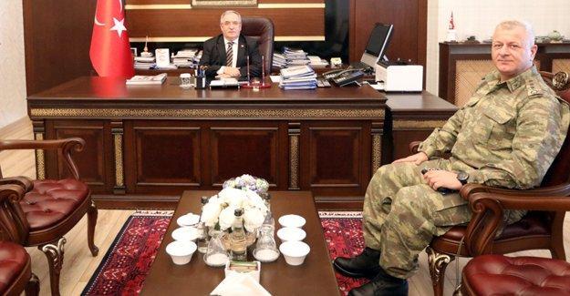 Yeni komutan vekilinden Vali Nayir'e ziyaret