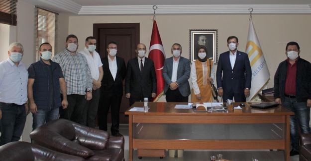 AK Parti Arifiye'den Başkan Karakullukçu'ya ziyaret
