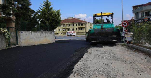 Serdivan'da asfalt çalışmaları sürüyor
