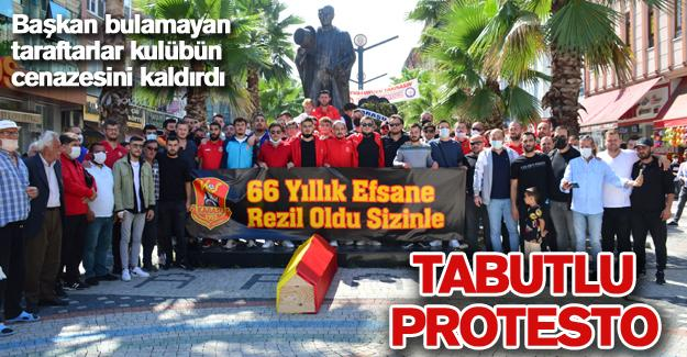 Tabutlu protesto!