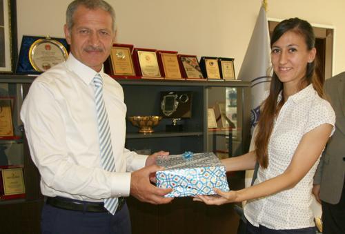 Başkan Dişli'ye gençlerden ziyaret