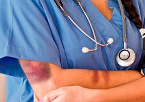 Doktora yapılan saldırıyı kınadılar
