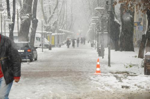 Hendek'te karla mücadele