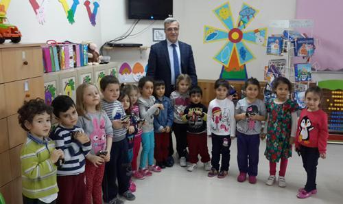 Başkan Akcan'dan geleceğin büyüklerine ziyaret
