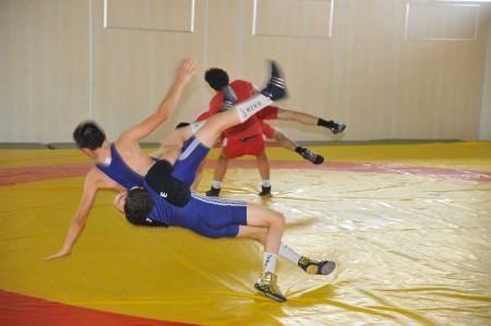 Hendekli güreşçiler Sivas'ta