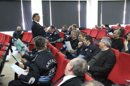 Akyazı Belediyesi personeline konferans