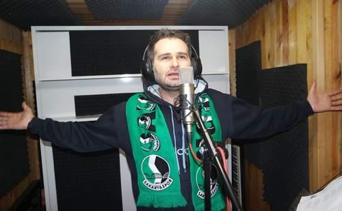 Akif Yener'den Sakaryaspor'a yepyeni şarkı