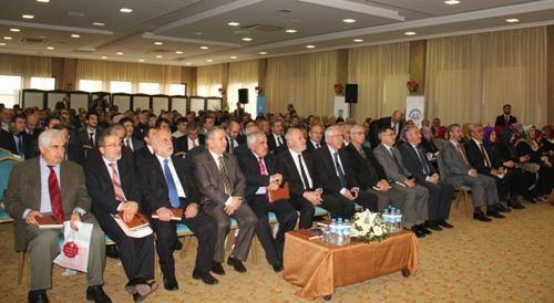 Diyanet Vakfı yapılanma süreci Sakarya'da ele alındı