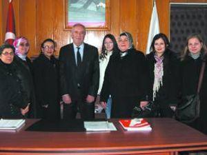 AK Partili bayanlardan İnal'a ziyaret