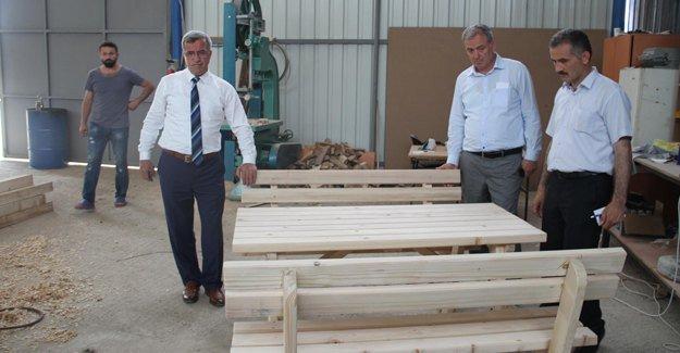 Akyazı Belediyesi marangoz atölyesi hizmete başladı