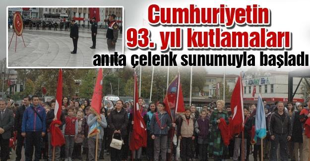 Cumhuriyetin 93. yıl dönümü kutlamaları Atatürk anıtına çelenk sunumuyla başladı
