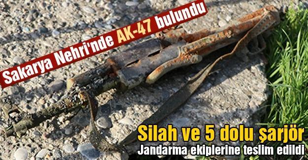 Sakarya Nehri'nde AK-47 bulundu