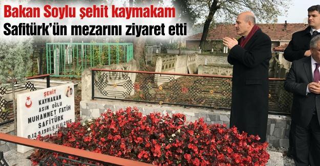 Bakan Soylu şehit kaymakam  Safitürk'ün mezarını ziyaret etti