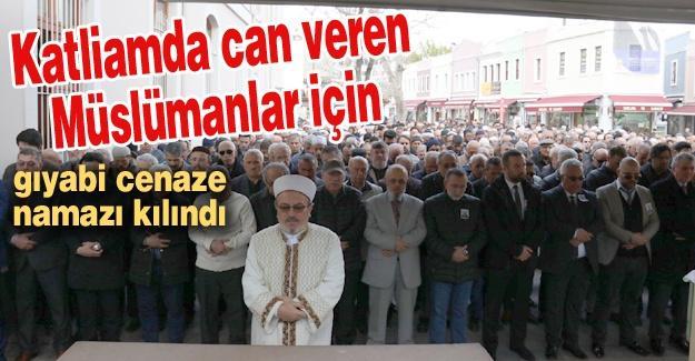 Katliamda can veren Müslümanlar için gıyabi cenaze namazı kılındı