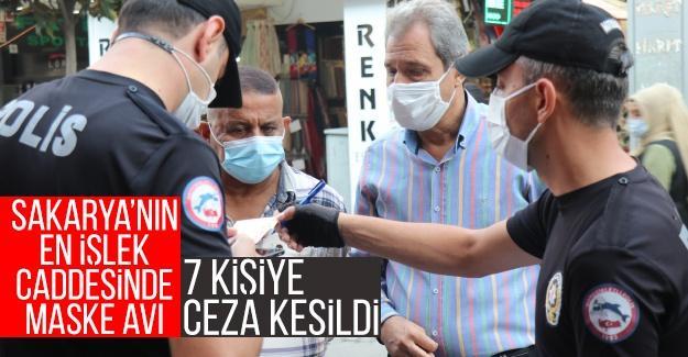 Polis ekiplerinden Sakarya'nın en işlek caddesinde maske avı
