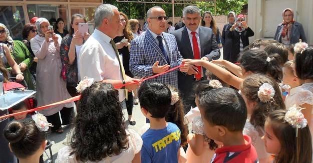 Mustafa Kemalpaşa Ana Sınıfları sergi açtı