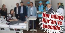 Müftülük hastanelere Kur'an ve seccade dağıttı