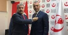 Babaoğlu Büyük Birlik Partisi rozetini taktı