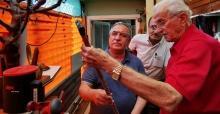 Vali Nayir'den emektar baston ustası Çakıner'e ziyaret